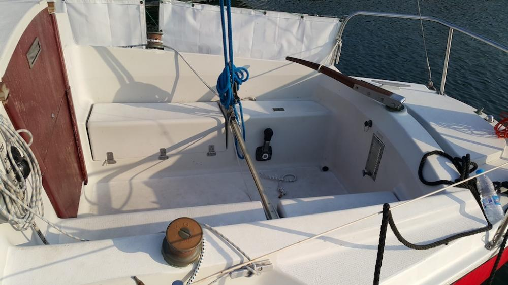 Yacht with skipper for rent
